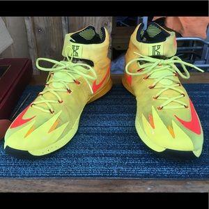 Kyrie Irving Nike Zoom Hyperrev Tartrazine Yellow